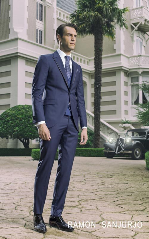 Jucla semichaque azul entallado con corbata hombre Ramon Sanjurjo