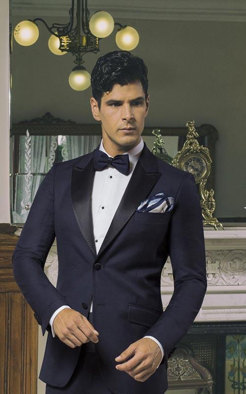 Jucla smoking azul con pajarita hombre Ramon Sanjurjo