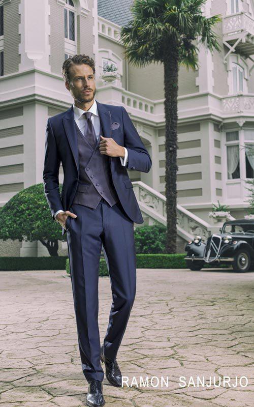 Jucla traje novio azul con chaleco brocado y roche hombre Ramon Sanjurjo
