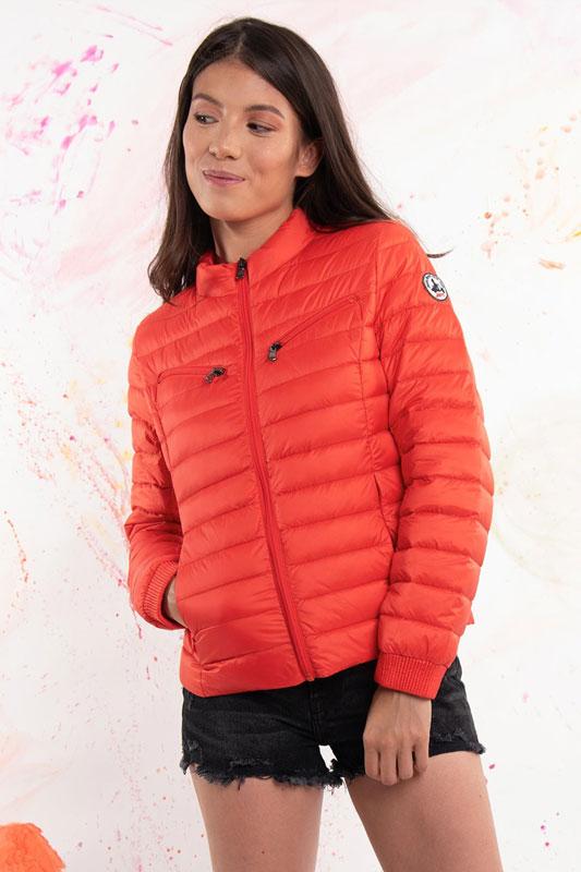 chaqueta de plumón roja de JOTT Lleida